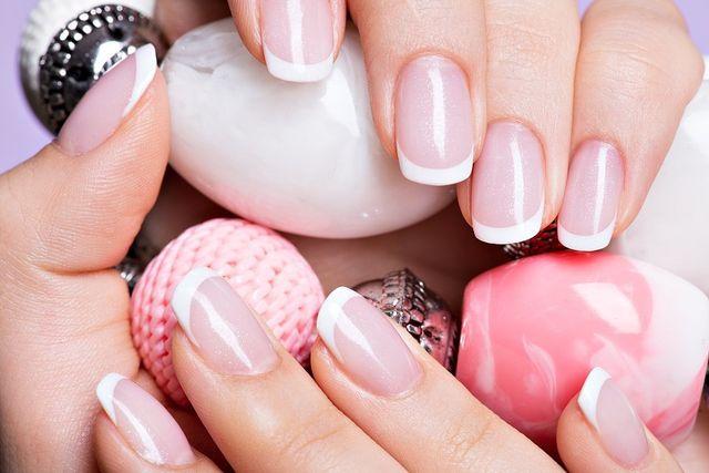 Как красиво и аккуратно накрасить ногти