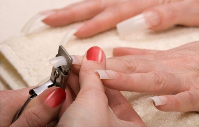 Как снять акриловые ногти самостоятельно