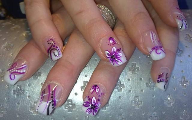 Как снять нарощенные ногти дома