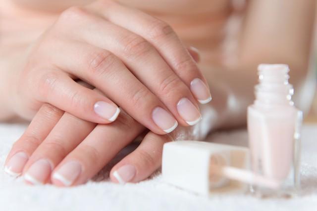 Зимний дизайн ногтей в Новый Год